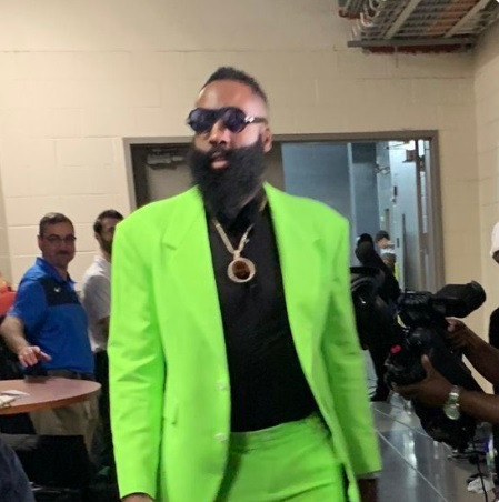 PHOTO James Harden's Neon Green Christmas Day Suit