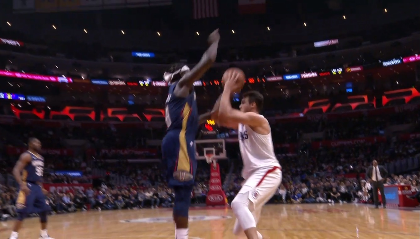 PHOTO Jrue Holiday Wraps His Do-Rag Around His Head Like A Bow