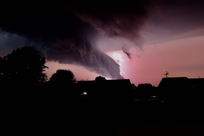 Stunning PHOTO Jefferson City Tornado Turned Sky Pink