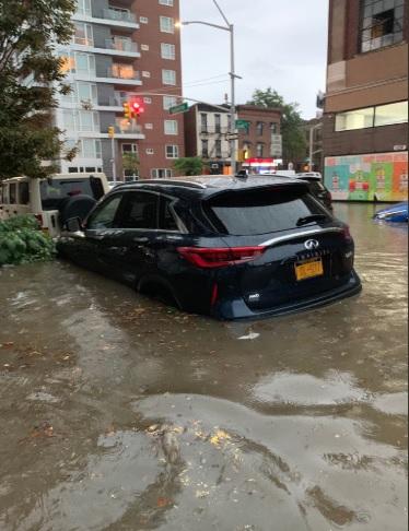 PHOTO Flash Flood In Brooklyn New York Floods Dozen Of Cars
