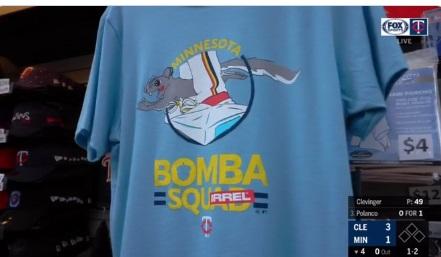 PHOTO Minnesota Twins Bomb Squarrel T-Shirts