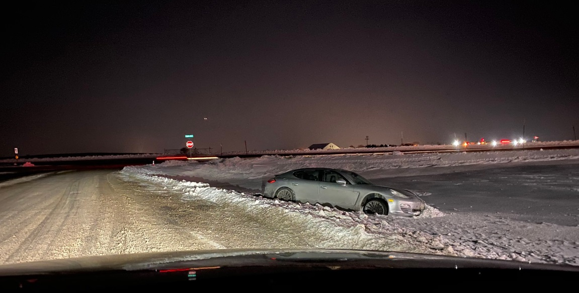 PHOTO Dude Leaves Porsche Panamera In Ditch In Minneapolis Snow Storm Had To Call Uber Because He Was Drunk
