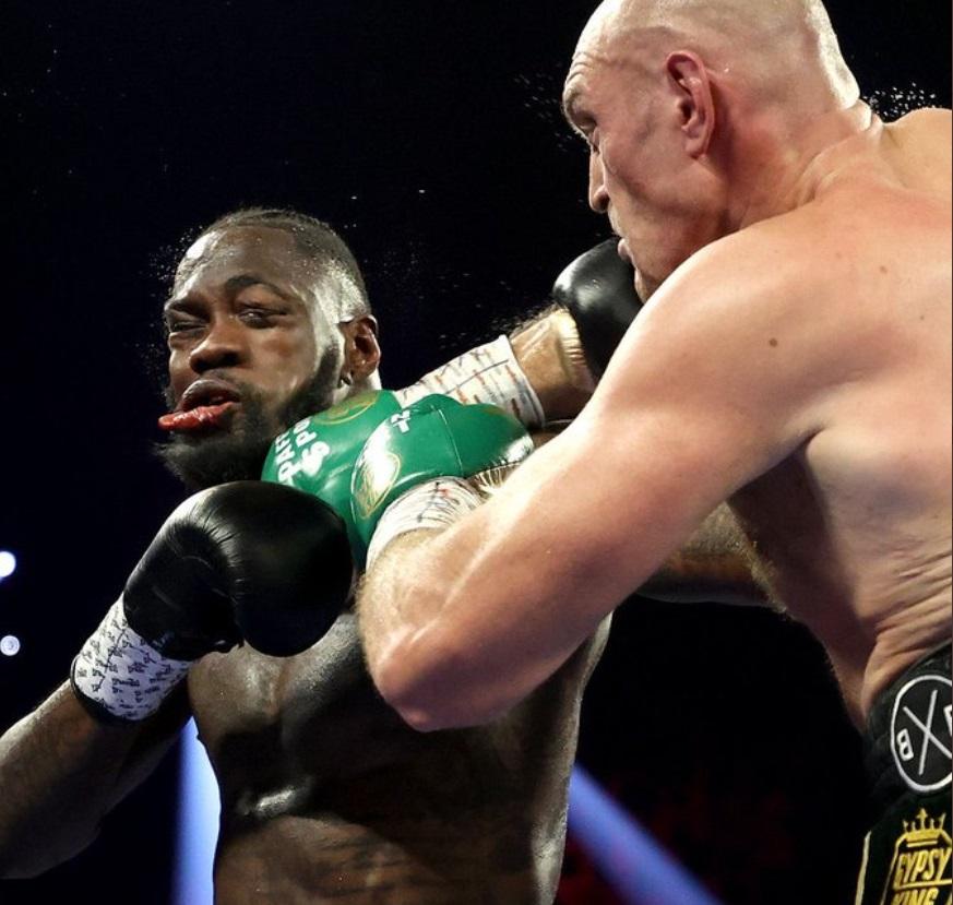 PHOTO Tyson Fury Broke Wilder's Jaw