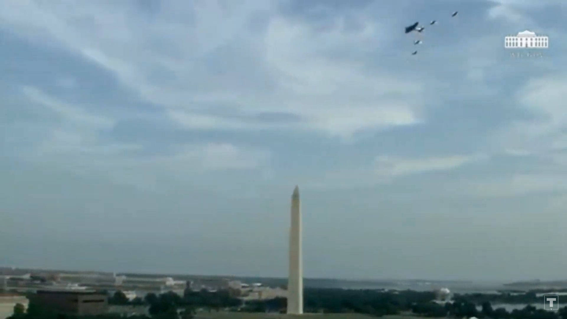 PHOTO Flyover Goes Directly Over Washington Monument IN DC