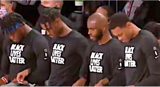 PHOTO Chris Paul Praying During National Anthem Before Jazz Thunder