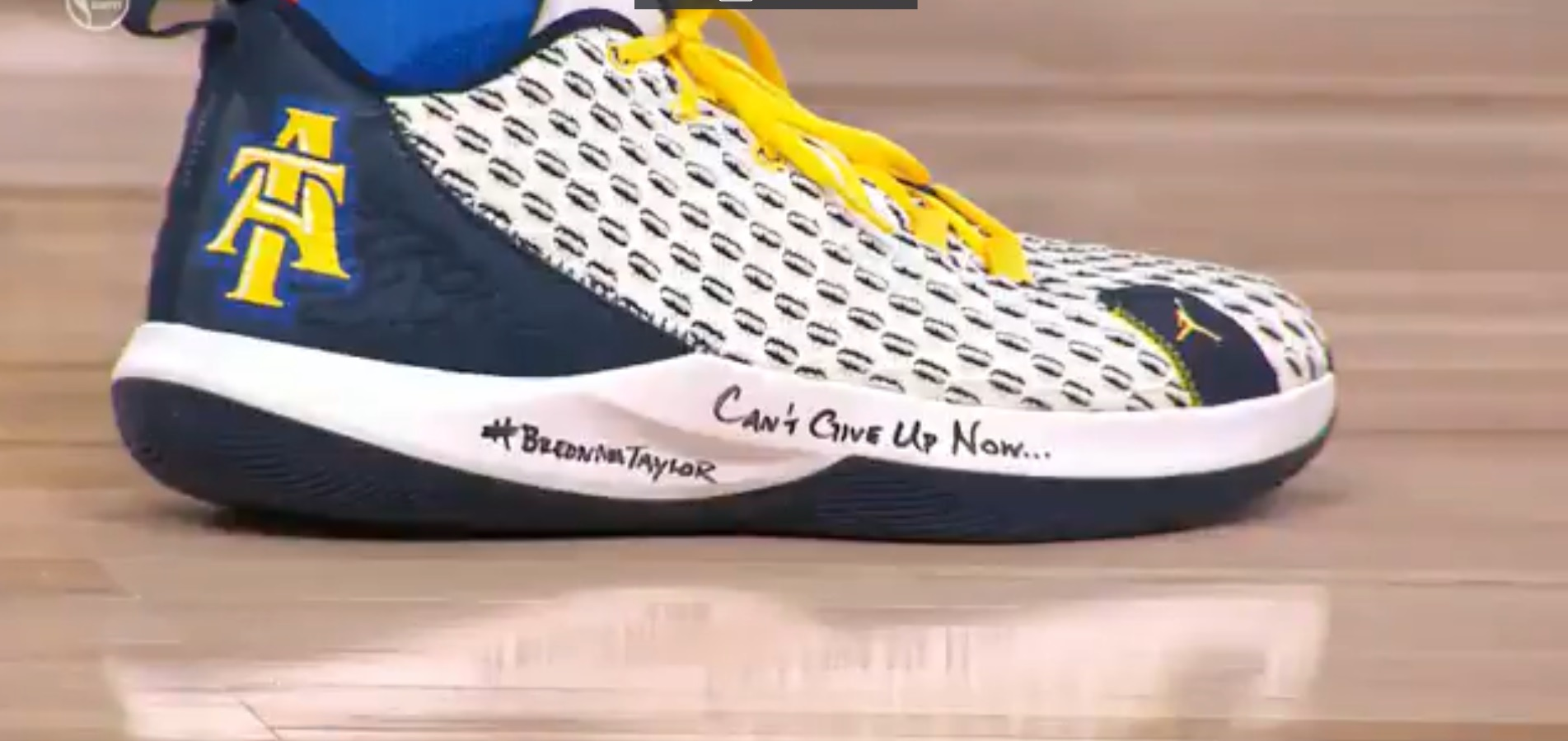 PHOTO Chris Paul Wearing Shoe That Says Can't Give Up Now Breonna Taylor