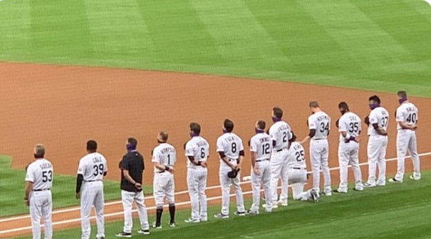 PHOTO Matt Kemp Kneels During National Anthem No Other Rockies Player Kneels